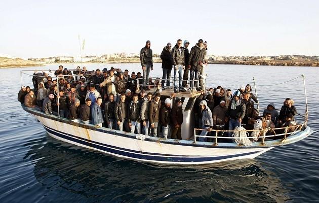 Η Ιταλία «απειλεί» να στείλει 200.000 πρόσφυγες στον ευρωπαϊκό βορρά