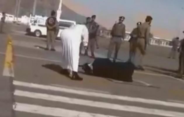 Σαουδική Αραβία: Έσυραν γυναίκα στο δρόμο και την αποκεφάλισαν (βίντεο)