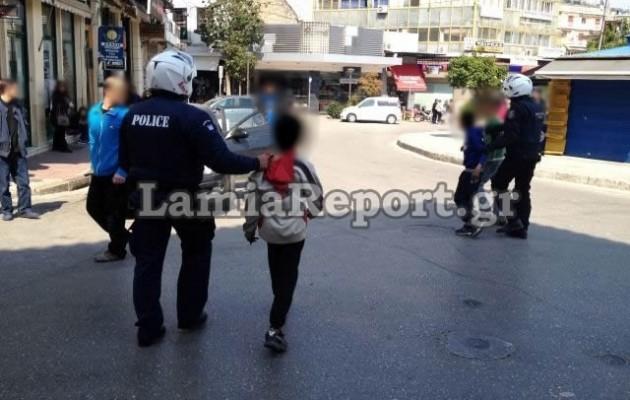 Ανήλικοι τσιγγάνοι έγδυσαν φοιτήτρια στη μέση του δρόμου στη Λαμία