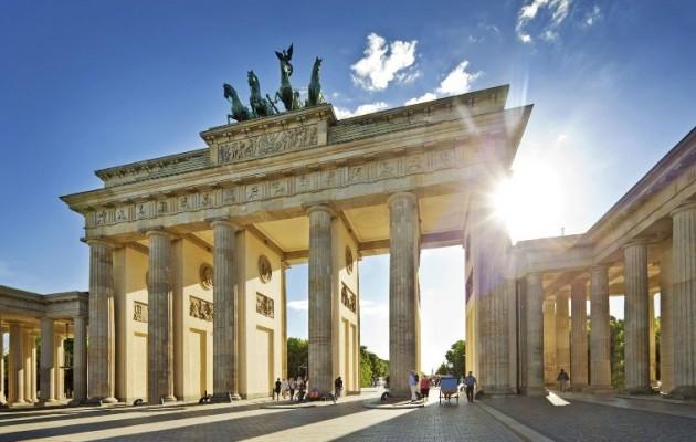 Süddeutsche Zeitung: «Η Ε.Ε. έχει διολισθήσει υπό τη γερμανική καθοδήγηση σε μια αδυναμία που δεν μπορεί να σταματήσει»