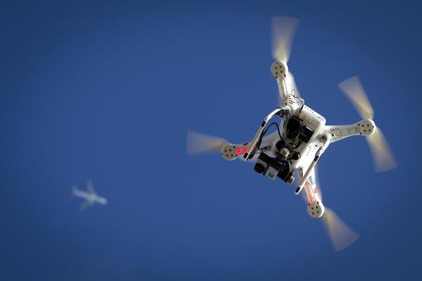 Παρίσι: Συνελήφθηκαν τρεις δημοσιογράφοι του Al Jazeera για πτήση drones