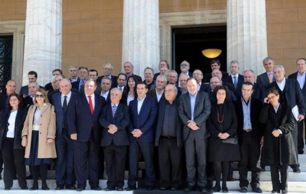 Αυτοί είναι οι δημοφιλέστεροι υπουργοί της κυβέρνησης