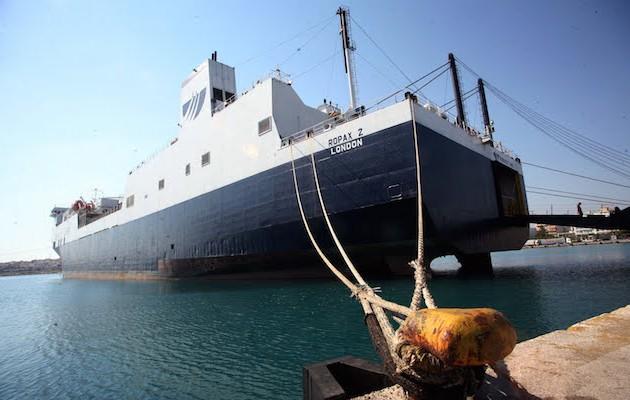 Θυελλώδεις άνεμοι δημιουργούν προβλήματα στα λιμάνια