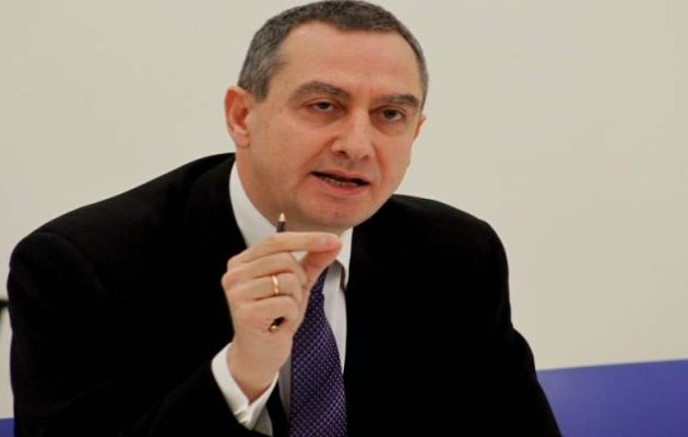 Μιχελάκης κατά Σαμαρά: Να δούμε τη σχέση μας με την κοινωνία
