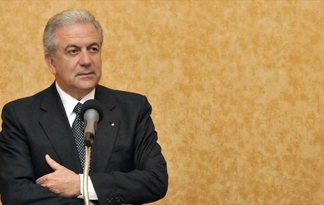 Αβραμόπουλος: Η Ευρώπη είναι μαζί με την Ελλάδα