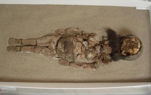 Τι συμβαίνει και μούμιες 7.000 ετών μεταμορφώνονται σε μαύρη λάσπη;