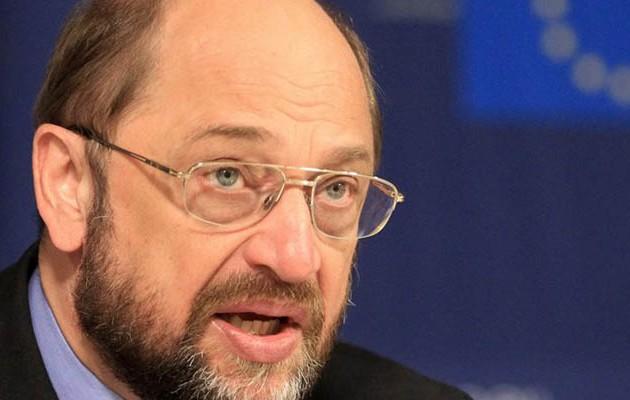 Μάρτιν Σουλτς: Ο Σόιμπλε φτωχοποίησε την Ελλάδα και κερδίζει από τους τόκους των δανείων