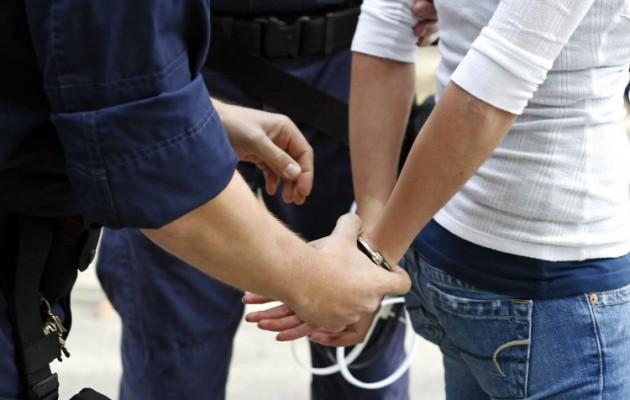 21χρονη στη Βέροια μαχαίρωσε τον σύντροφό της πάνω σε καβγά