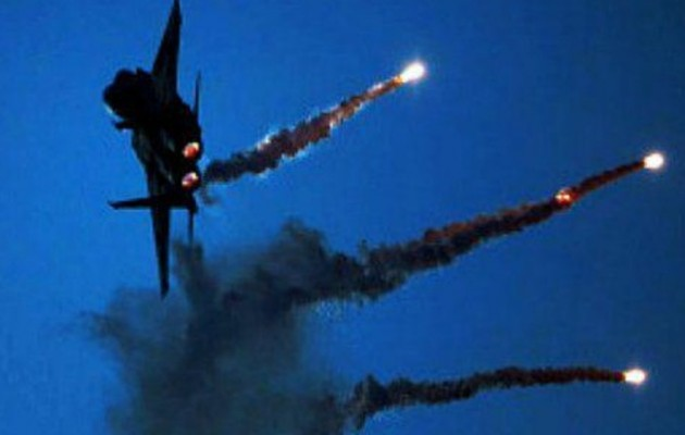 Άγνωστα αεροσκάφη βομβάρδισαν ιρανικές δυνάμεις στην Αν. Συρία το βράδυ της Πέμπτης
