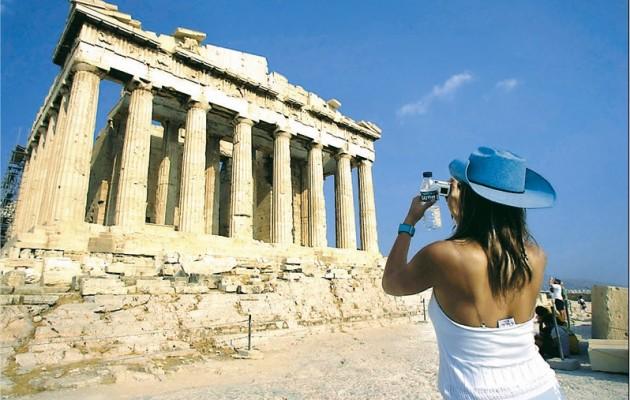 Ευφορία στα διεθνή ΜΜΕ από το άνοιγμα της Ελλάδας στον τουρισμό