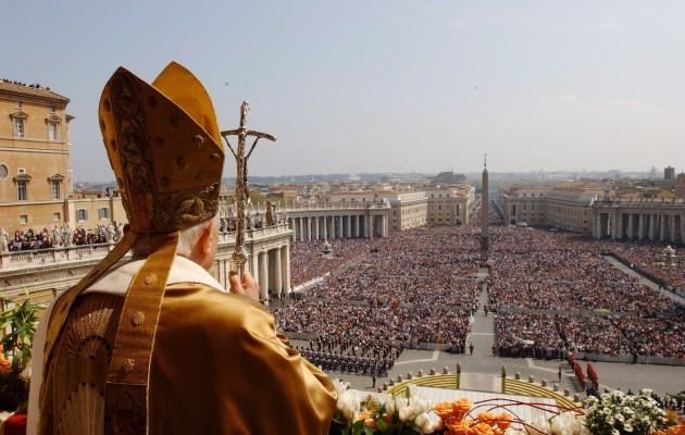 Βουτηγμένο στην παιδεραστία το Βατικανό – Ο πάπας ζητά συγχώρεση από τον Θεό – «Ήξερε, να παραιτηθεί»