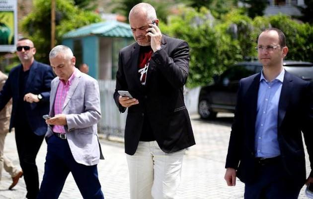 Περίεργα παιχνίδια του Αλβανού πρωθυπουργού με τα Σκόπια