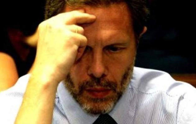 Ο Γερουλάνος «άδειασε» τη ΔΗΣΥ: Θέλουν να αποποιηθούν τις ευθύνες του ΠΑΣΟΚ αλλάζοντας ταμπέλα