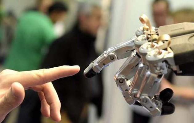 Tα ρομπότ απειλούν με «εξαφάνιση» οχτώ επαγγέλματα