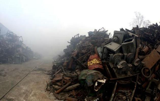 Πνίγουν την Αθήνα οι αναθυμιάσεις από την φωτιά στο ΚΔΑΥ