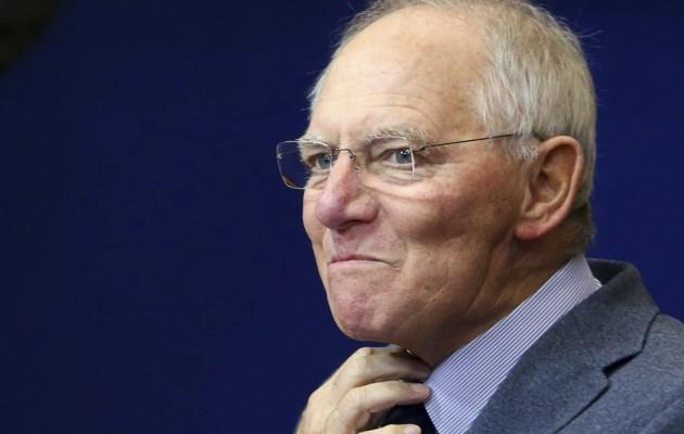 Tagesspiegel: Επικίνδυνο πόκερ Σόιμπλε – Η ΕΕ δεν μπορεί να πληρώσει μια ελληνική χρεοκοπία