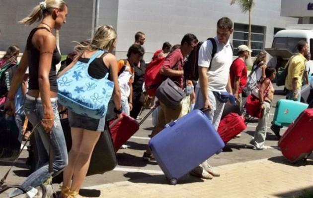 Ο τουρισμός πάει για νέο ρεκόρ – Σε ποιες περιοχές δεν πέφτει «καρφίτσα»