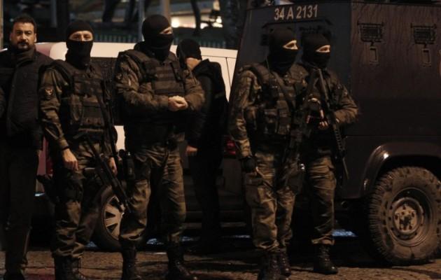 20.000 νέους αστυνομικούς στρατολογεί ο Ερντογάν για να τον υπηρετούν πιστά