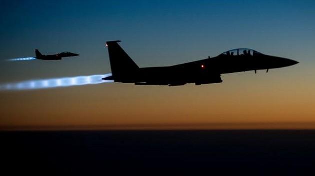 DW: Βρετανοί και Γάλλοι προετοιμάζονται για στρατιωτικές επιχειρήσεις κατά της Συρίας