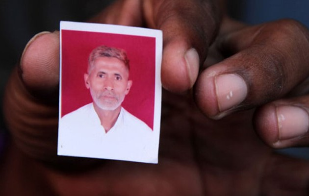 Iνδός μουσουλμάνος ξυλοκοπήθηκε μέχρι θανάτου επειδή έφαγε… βοδινό κρέας