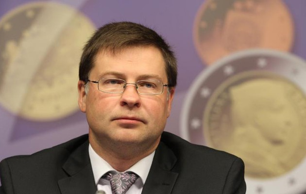Ντομπρόβσκις: Αυτά σχεδιάζουμε για το ελληνικό χρέος
