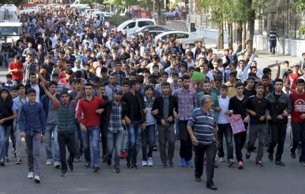 Έτοιμη να εκραγεί η Τουρκία μετά το μακελειό της Άγκυρας (φωτο + βίντεο)