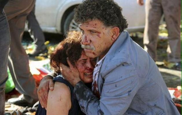 Ο Νταβούτογλου κατηγόρησε «πυρήνες» του Ερντογάν για τις πολύνεκρες βομβιστικές επιθέσεις στην Τουρκία