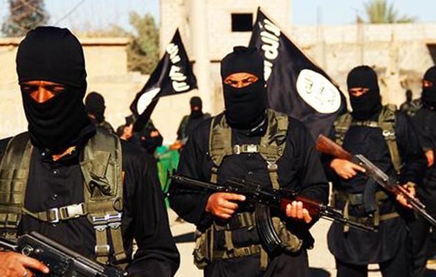 Οι 571 «ωρολογιακές βόμβες» του ISIS που απειλούν να τινάξουν στον αέρα τη Γαλλία