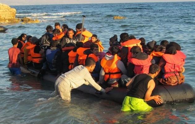 Ο Ερντογάν μας στέλνει κόσμο: 1.421 μετανάστες έφτασαν στα νησιά μας μέσα σε 16 ημέρες