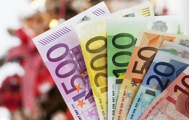 Γνωστός επιχειρηματίας δίνει 300.000 ευρώ επιδόματα γέννας στους εργαζομένους του (φωτο)
