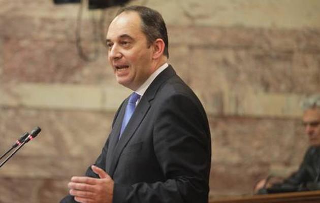 Σε καραντίνα και ο υπουργός Ναυτιλίας Γ. Πλακιωτάκης