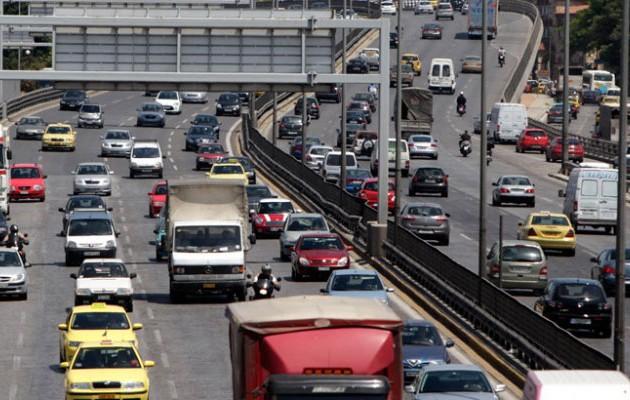 Τσιπάκι για τα ανασφάλιστα αυτοκίνητα σχεδιάζει το υπουργείο Οικονομικών
