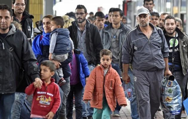 Reuters: Η Ε.Ε. σκέφτεται να δώσει άλλα 3,5 δισ. στην Τουρκία για το προσφυγικό