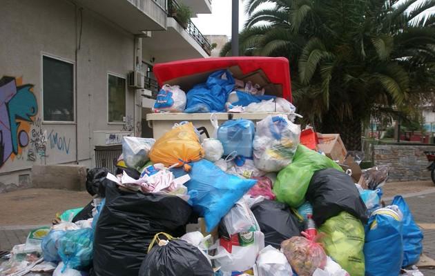 Πόσες μέρες θα χρειαστούν για να καθαριστούν οι δρόμοι από τα σκουπίδια