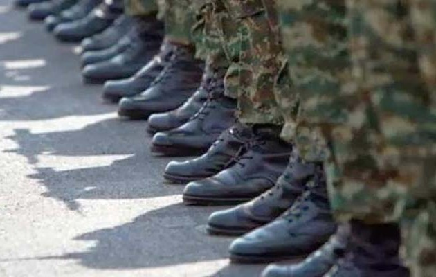 44χρονος Ανθυπασπιστής στη Χίο κρεμάστηκε με το κορδόνι της αρβύλας του