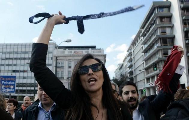 """Γιατί το """"κίνημα της γραβάτας"""" πρέπει να ζητήσει επιστροφή στη δραχμή!"""