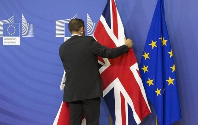 Βερολίνο και Παρίσι περιμένουν από το Λονδίνο μια «σαφή» πρόταση για το Brexit