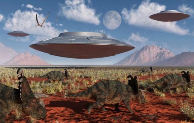 «Δεινόσαυροι έφυγαν από τη Γη με διαστημόπλοια και τώρα είναι εξωγήινοι»