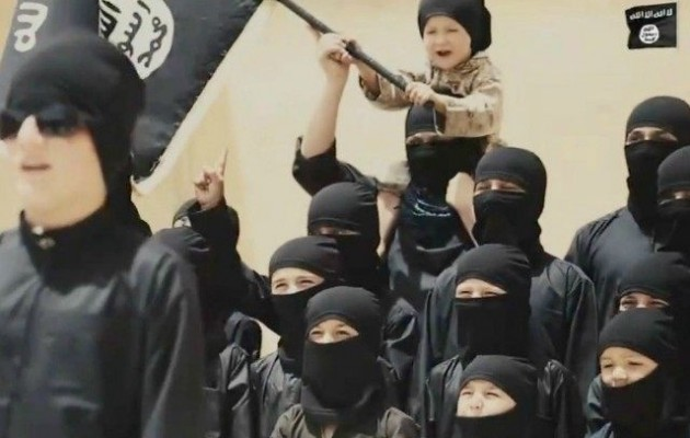 """Παιδιά που γλίτωσαν από το Ισλαμικό Κράτος: """"Μας είπαν να παίξουμε μπάλα με ένα κομμένο κεφάλι"""""""
