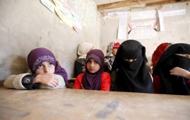 Υεμένη: Το Ισλαμικό Κράτος εισέβαλε σε σχολείο θηλέων και υποχρέωσε τις μαθήτριες να…