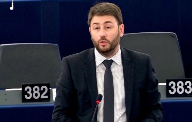 Νίκος Ανδρουλάκης: «Δεν μπορεί τα Σκόπια να χτίζουν πλαστές ιστορικές συνειδήσεις»