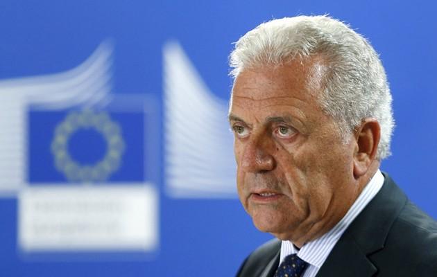 Ο Αβραμόπουλος έκλεισε ραντεβού με Κόντε και Σαλβίνι για το μεταναστευτικό – Πότε πάει Ιταλία