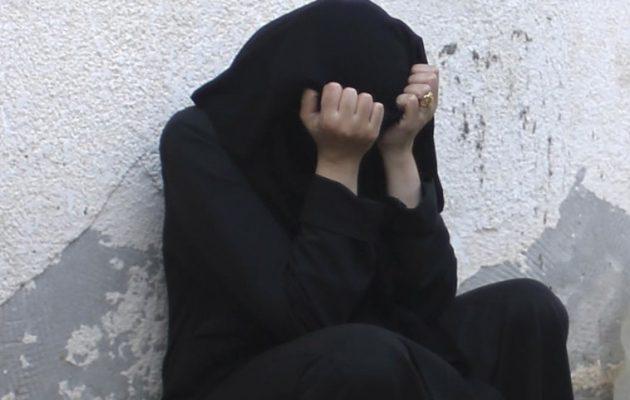 Σύρα στραγγάλισε τα δύο παιδιά της και ήπιε πετρέλαιο για να αυτοκτονήσει