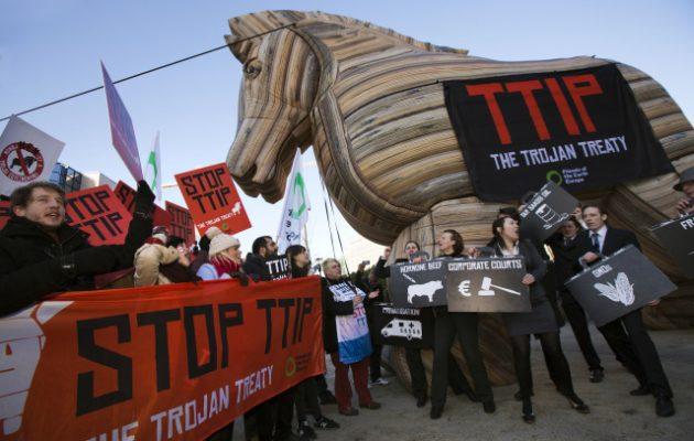 """Δείτε τι """"δημοκρατία"""" μας περιμένει με τη Διατλαντική Συμφωνία TTIP (βίντεο)"""