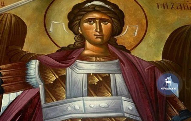 Δάκρυσε η εικόνα του Αρχαγγέλου Μιχαήλ στη Ρόδο, λένε πιστοί (φωτο και βίντεο)