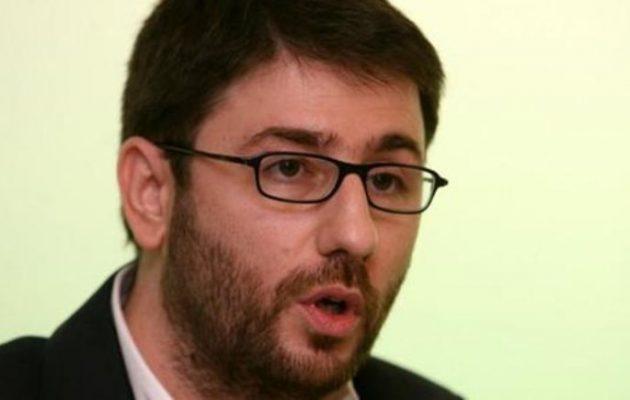 Ανδρουλάκης: Έτσι μπορούν να σωθούν χιλιάδες Έλληνες από τα «κόκκινα» δάνεια