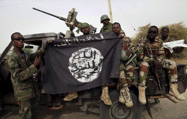 Η Μπόκο Χαράμ επιτέθηκε σε δύο στρατιωτικές βάσεις στη Νιγηρία και τις λεηλάτησε