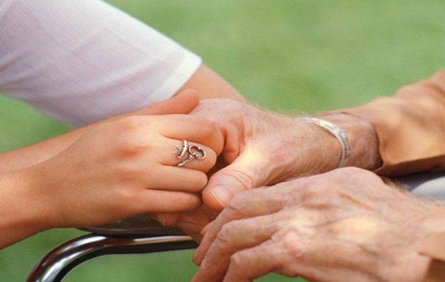 Τρομακτική αποκάλυψη: Το Αλτσχάιμερ μπορεί να μεταδοθεί από άνθρωπο σε άνθρωπο