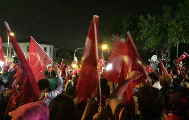 Ισλαμιστές «πολιορκούν» κουρδικές και αλεβίτικες συνοικίες σε τουρκικές πόλεις