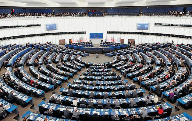 Η Ευρωβουλή θα καλέσει την Τουρκία να απελευθερώσει τους δύο στρατιωτικούς